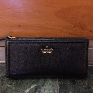 NWT Kate Spade ♠️ Braylon wallet in black